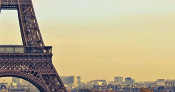 eiffel_tower_02_702X336