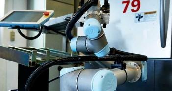 universal robots 702336