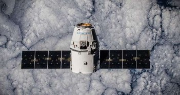 spacex dragon international space station 702336